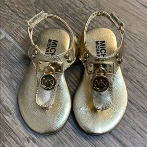 NWT MICHAEL KORS TODDLER SANDALS SIZE 5